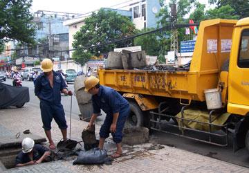 Hút bể phốt tại Dương Xá