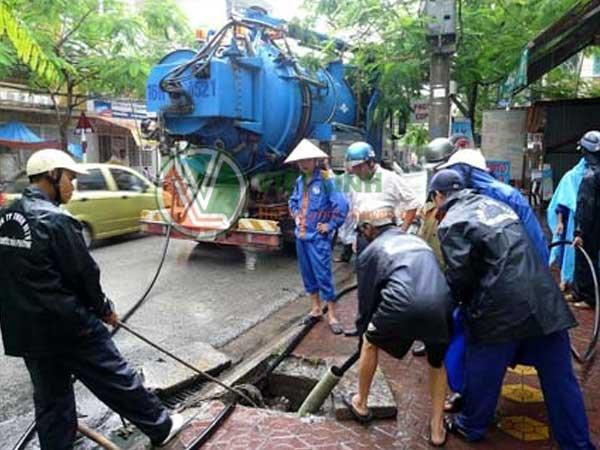 Thông tắc bể phốt tại Long Biên