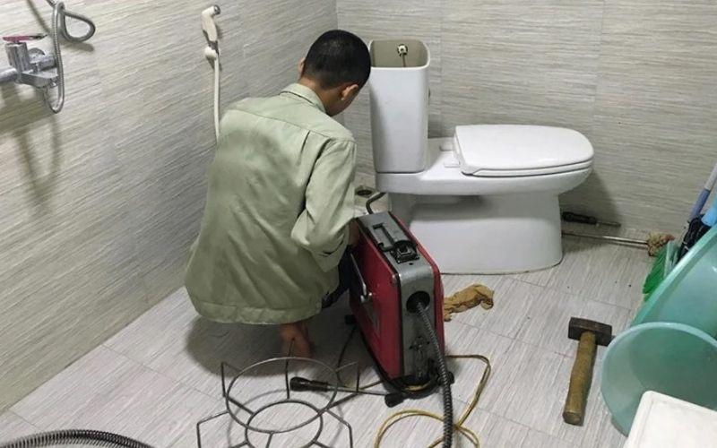 Dịch vụ thông bồn cầu toilet giá rẻ tại Nguyễn Văn Huyên – Cầu Giấy