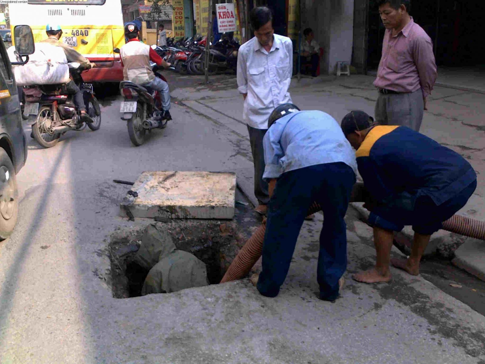 Hút bể phốt tại Bạch Mai