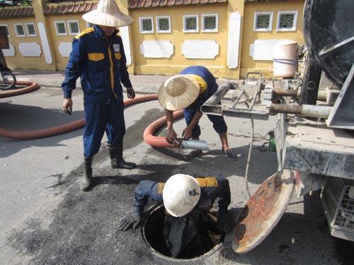 Hút bể phốt tại Quỳnh Mai, Hai Bà Trưng