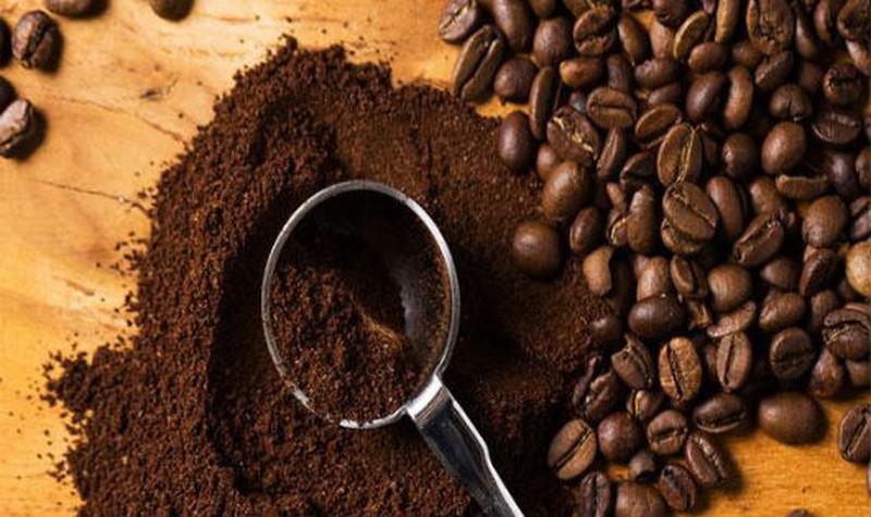 Khử mùi hôi bằng bã cà phê