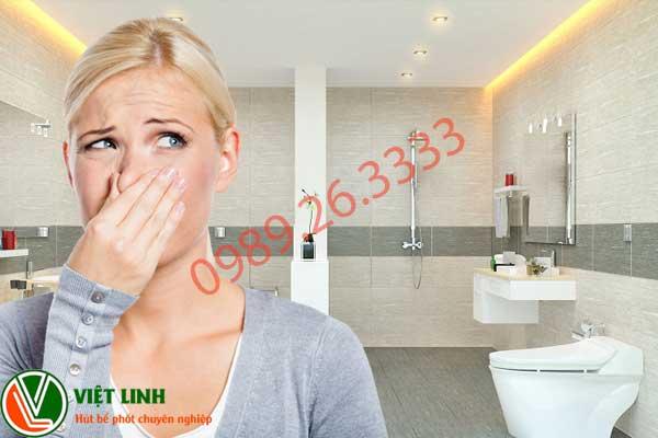 Mùi nhà về sinh khiến bạn phải khó chịu