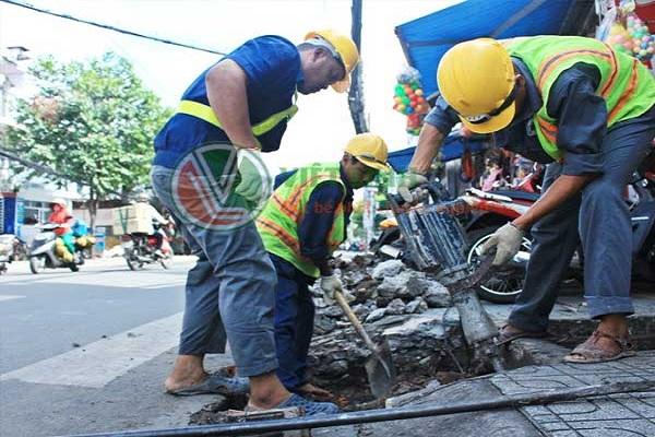 Nhân viên của Việt Linh đang làm việc