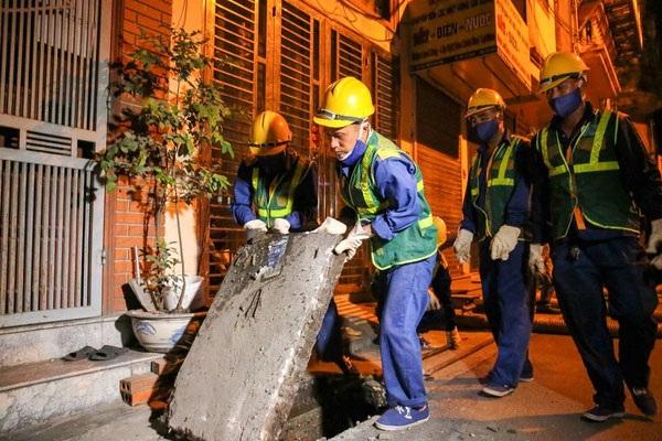 Nhân viên của Việt Linh kiểm tra tình hình tắc nghẽn để đưa ra giải pháp phù hợp