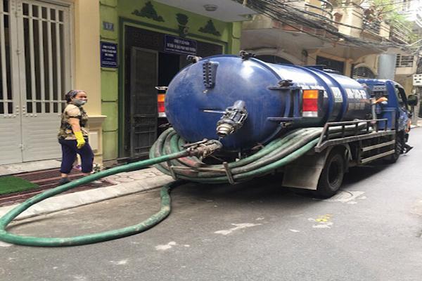 xe hút bể phốt tại Lệ Chi